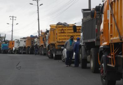 Transportistas piden al Gobierno que congele los precios de los combustibles